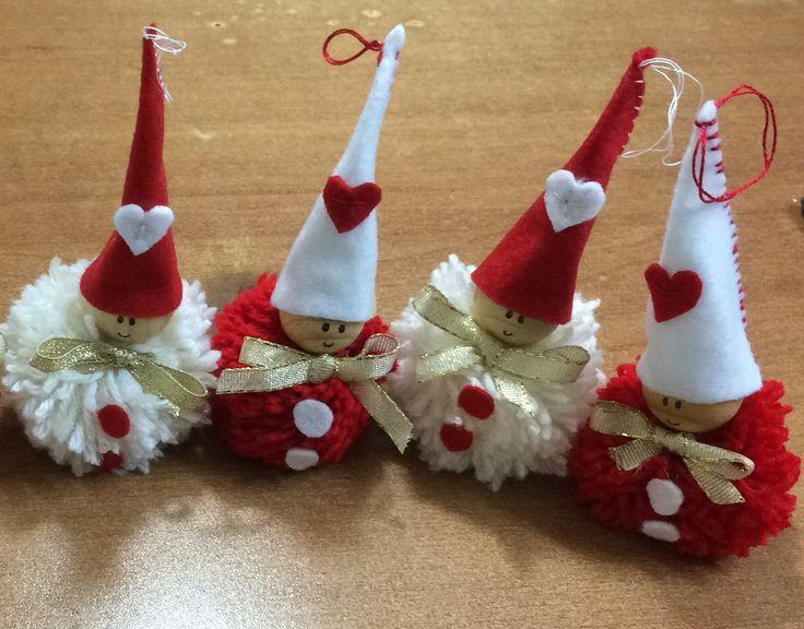 Kit lavoretti creativi e gnomi natale feltro, angioletti, babbo. Gnomi Pon Pon Gnomi Ponpon Natale Pannolenci Natale Pon Pon Decorazioni Di Natale