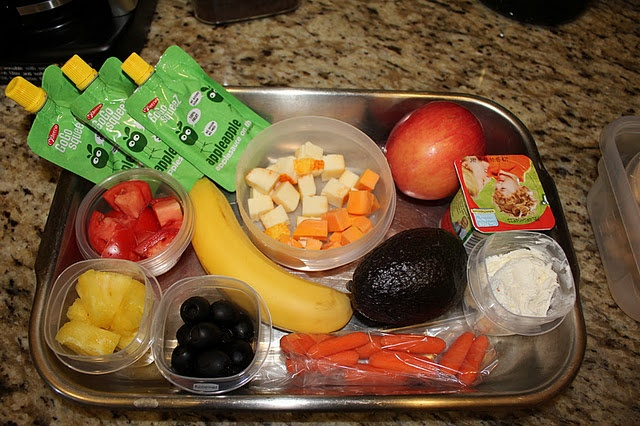 Snacks: Trays, Plays Reading, Mom Llc, Families Life, Rl S Routines, Snacks, Mom Obvious, Kids, Pour Wat Plays