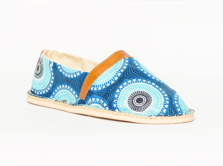 African Handmade Shoes Espadrilles HUMPBACK WHALE (english) Humpback whales are famous for breaching and slapping the water with their tails and pectorals and this is thought to be an amorous behavior. Play and Love!