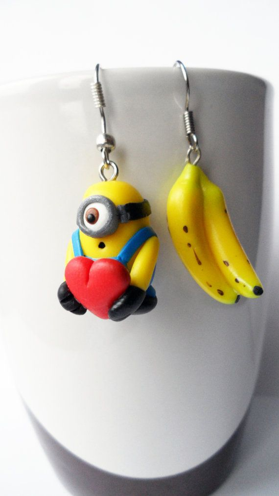 Handmade pair of minion earrings out of polymer clay. Minions love banana! Banaaanaaaaa    The size of the earrings are 25mm    *Colors may be slightly