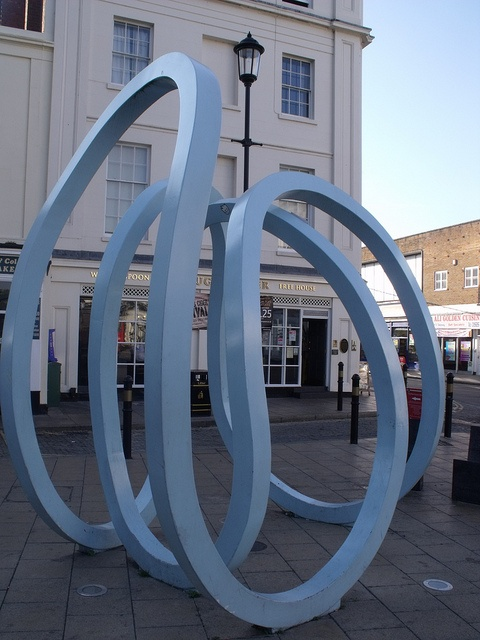 Jug & Jester, 11 and 13 Bath Street, Leamington Spa - sculpture of blue waves by ell brown