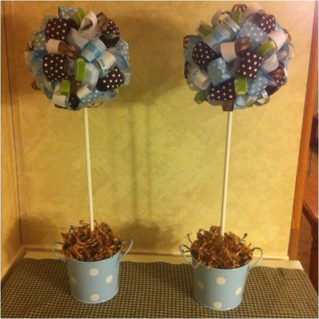 Baby shower decoration center pieces easy! just need some ribbon and we can even do an ombre thing! @Gail Hancock Wheeler-harvey Patel