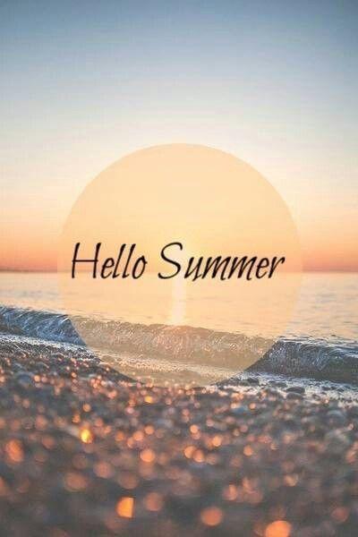 33 Cheerful Summer Living Room Décor Ideas: Summer Wallpaper, Summer