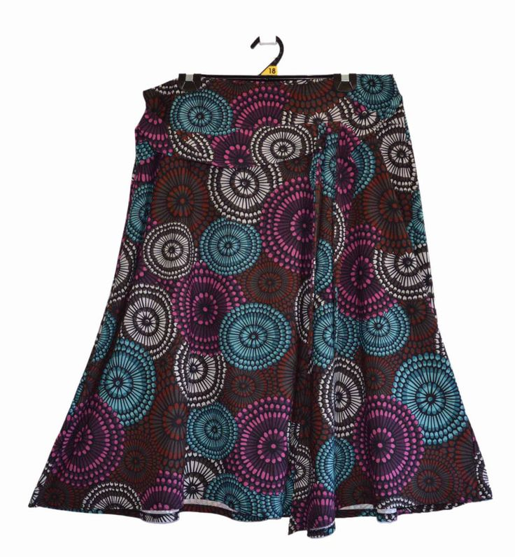Free Postage (size 18) Suzannegrae Skirt - Abstract Circle Pattern  Plus Size XL