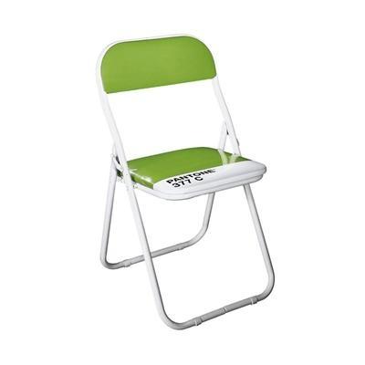 Cadeira dobrável Pantone - Descrição:As cadeiras dobráveis Pantone são diferenciadas devido as mundialmente conhecidas cores Pantone. Com sua marca inconfundível ela tem sua estrutura em metal pintado de branco e detalhes em PVC brilhante.Designer:SelabMaterial:Metal e couro sintético, cadeira dobrávelDimensões:Largura: 46 cmComprimento: 5 cmAltura: 5,44 cm