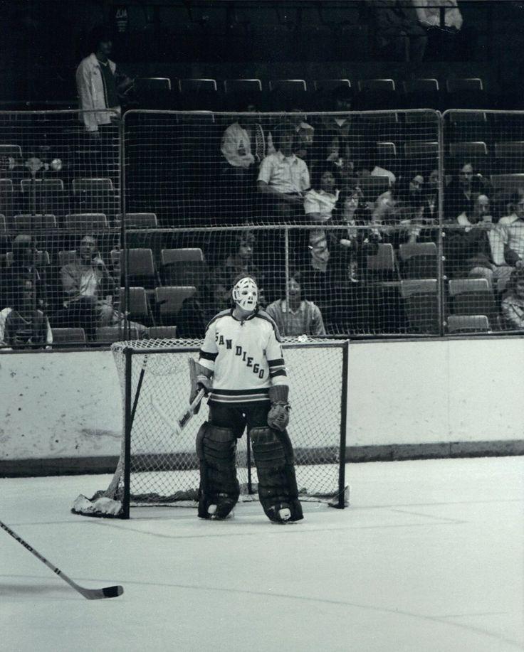 Russ Gillow, San Diego Mariners. (NHL ⭕️riginal_6️⃣ (@NHL_ORIGINAL_6)   Twitter)