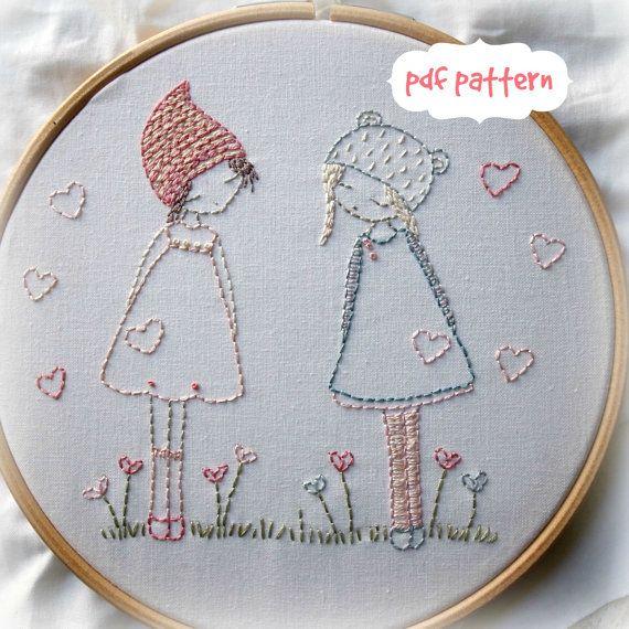 Estas dos amiguitas son muy simples de coser para bordadoras de principiante. El patrón fue diseñado para un kit basado en mi patrón de tres niñas,
