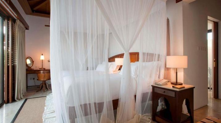 Soveværelse i pool villaerne på The Residence Zanzibar