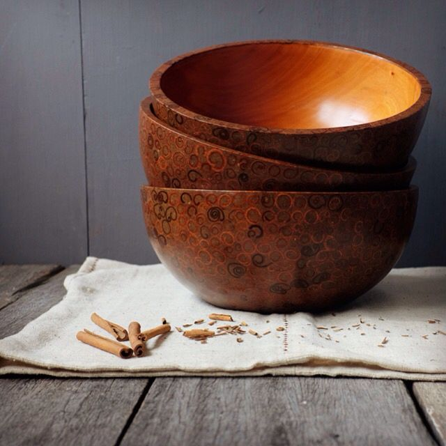 handmade mahogany bowl inlay with cinnamon with perfect aroma and exotic pattern from bali