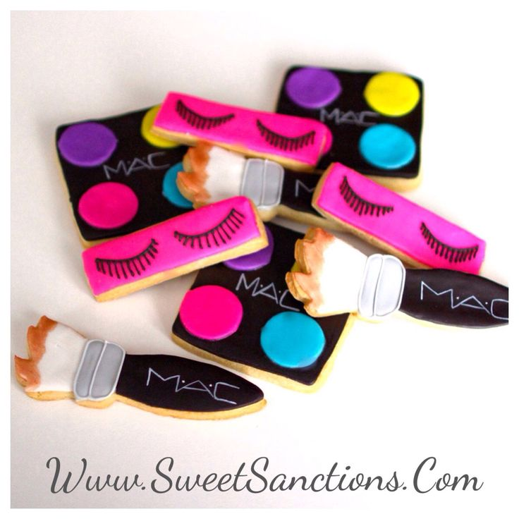 1 Dozen Make Up Designer Cookies Collection! Glamour Parties, Spa Parties, Bachlorette Parties, Bridal Showers, and More! Mature Content by SweetSanctionsLLC on Etsy https://www.etsy.com/listing/221963229/1-dozen-make-up-designer-cookies