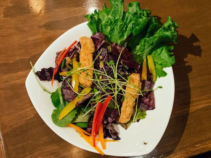 http://www.grasshopperrestaurant.ca/food 310 College Street. Offers broad selection of meatless meals - vegan, vegetarian & offers gluten-free