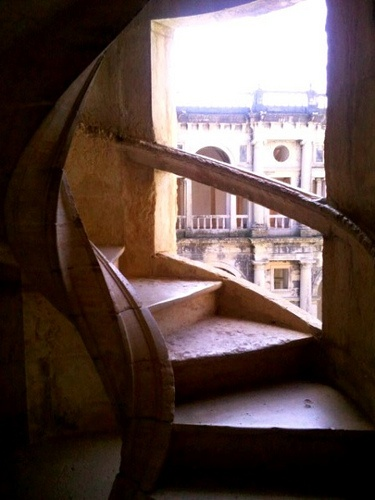 Spiral stone steps up to the roof of Convento de Cristo: http://www.europealacarte.co.uk/blog/2012/04/20/tomar/Spirals Staircases, Spiral Staircases