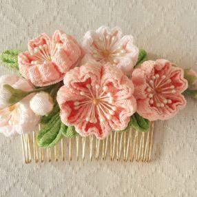 〈つまみ細工〉桜のコーム(サーモンピンクと淡桜)の画像