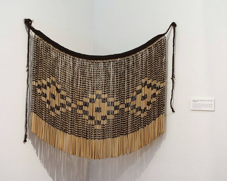Tanniko: 20th century Maori skirt: handwoven flax skirt worn by female dancers - this non-loom weaving technique was developed first by the Maori people.