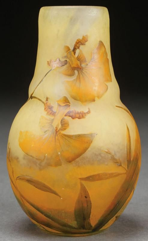 A FINE DAUM NANCY FRENCH ENAMELED ART GLASS VASE, CIRCA 1900.