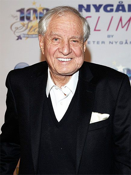 10 Things You Didn't Know About Pretty Woman | THE DIRECTOR CAST HIS SON IN THE MOVIE | Marshall, in his memoir My Happy Days in Hollywood, wrote about including his family in the vast majority of his projects, though not necessarily rewarding them with juiciest roles (his dad oversaw payroll for The Princess Diaries 2: Royal Engagement. In Pretty Woman, his son played a drug-dealing skateboarder.