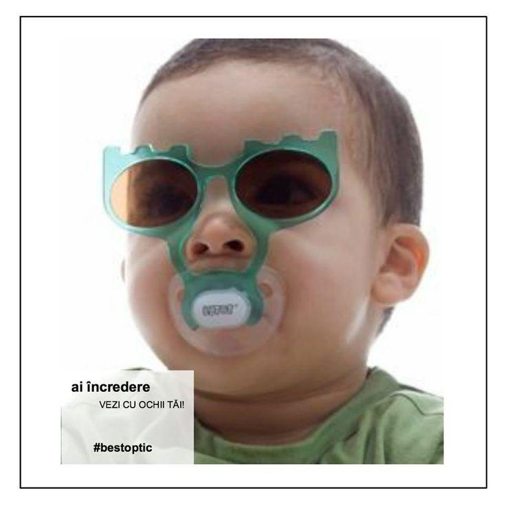 Mergi azi la plajă? Radiațiile ultraviolete au deopotrivă avantaje și dezavantaje asupra stării noastre de sănătate. Ochii sunt cei mai afectați de aceste radiații. Dacă pielea se poate regenera după o arsură solară, ochii din nefericire acumulează daunele produse. Este foarte important să ne protejăm ochii și zona din jurul ochilor. Specialistul Best Optic la dispoziția ta! Cu ce răspunsuri te mai poate ajuta? #protectiesolara #bestoptix