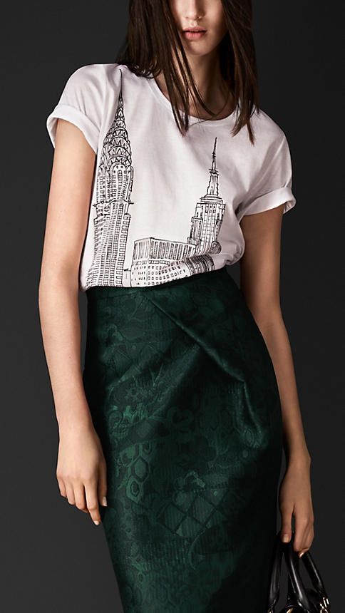 Burberry Prorsum New York Landmarks T-Shirt | fascinating skirt construction. Looks easy enough. Make the waist to hip differential a design element!