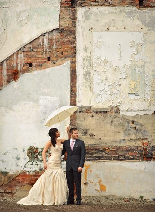 Paraplu nodig op je bruiloft, dan wel in stijl natuurlijk!