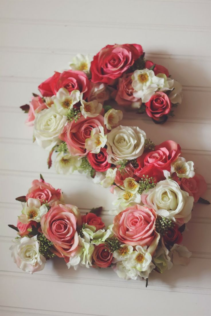 DIY Floral Letter would make a great door wreath or wall decoration! For my room..
