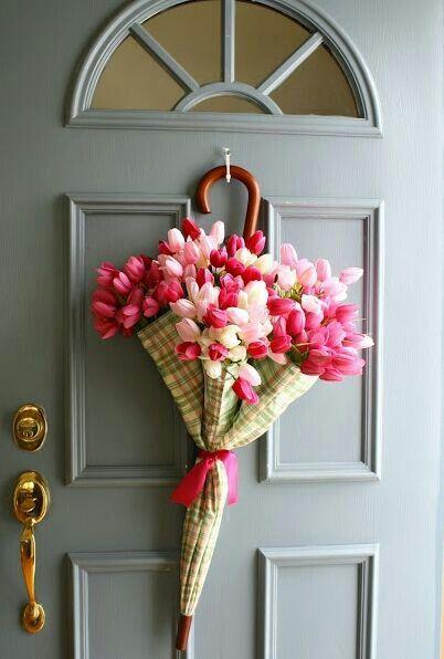 Twist on traditional wreath! Love!