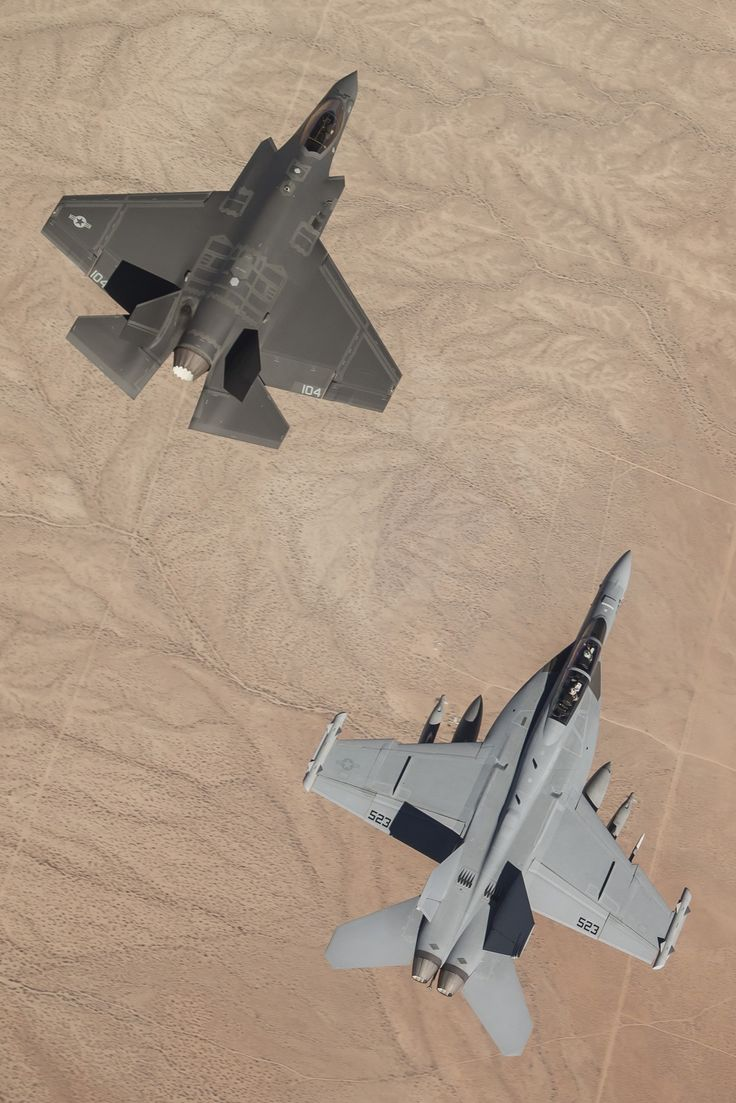 Beautiful Lines — spectre-130:   flytofight:   From Navy.mil  MOJAVE...