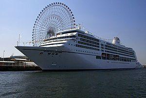 Seven Seas Mariner. Ιδιοκτησία: Mariner LLC. Διαχείριση: Regent Seven Seas Cruises. Σε υπηρεσία από το 2001. 48.075 GT ~ 216,10 μ.μ. ~28,30 μ.πλάτος ~ 8 κατ/τα ~ 20 knots ~ 700 επ. ~ 445 ατ.πλ.
