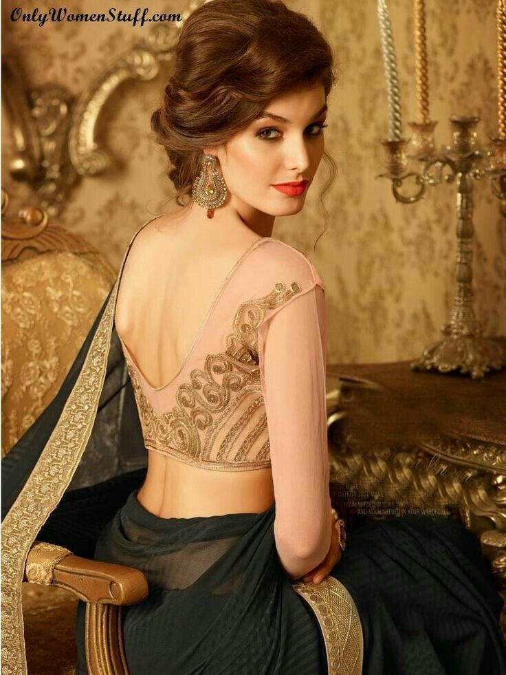 Hairstyle On Saree For Round Face Hairstyle Saree For Round Face Hairstyle On Saree Hairsty In 2020 Hair Style On Saree Traditional Hairstyle Saree Hairstyles
