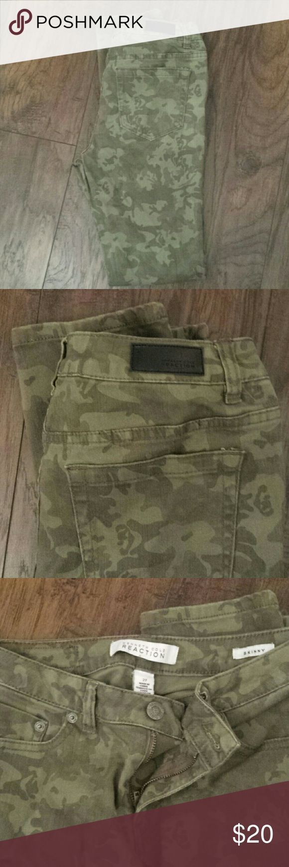 Kenneth Cole Camo skinny jeans EUC Worn once  So cute  Camo in color  Skinny jeans to ankle  Some stretch  Low to mid rise Kenneth Cole Reaction Jeans Skinny