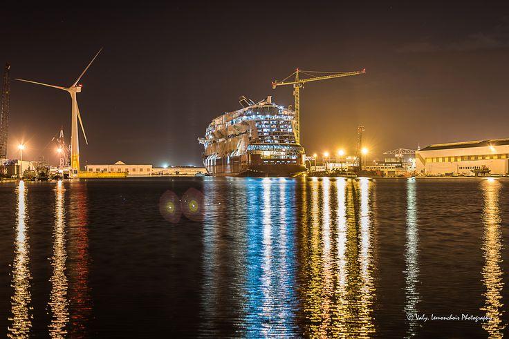 https://flic.kr/p/243WbJE | Dans le port de St Nazaire...