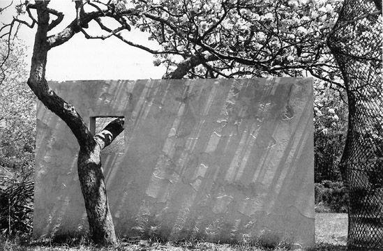 Nivola House-Garden Wall / Rudofsky and Nivola
