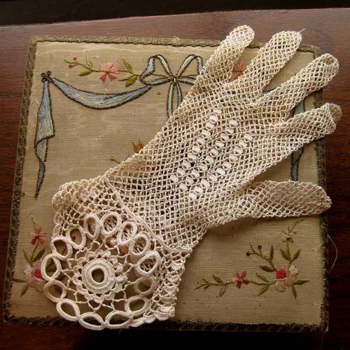 vintage lace glove