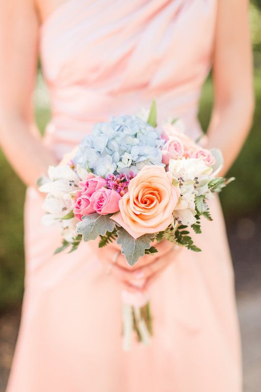 Pastel-colored summer wedding | Florals by Especially for You Florist | Photo By Idalia Photography