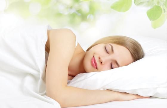 Melatonina, l'orologio biologico che regola il sonno. Gli integratori di melatonina con erbe e altri nutritivi, possono essere un aiuto naturale per dormire (leggi tutto) #melatonina #melatonine #sonno #integratori http://www.drgiorgini.it/index.php/approfondimenti/energetici/melatonina-l-orologio-biologico-che-regola-il-sonno