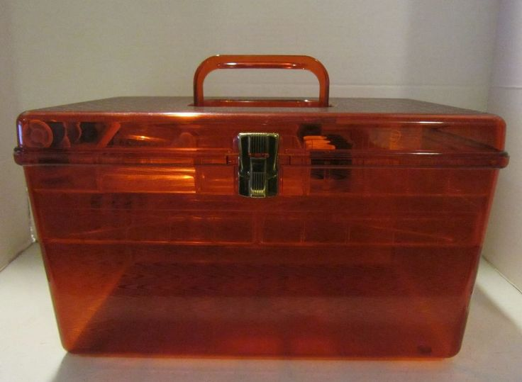 Vint amber hard plastic USA made Wilson Wil-Hold large sewing box + notions VGC