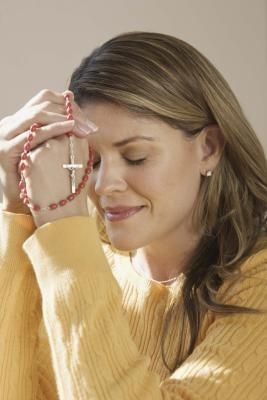 Short, simple words of prayer provide much needed comfort and hope to all Christians, especially mothers who have lost their children. Prayers are known to be beneficial in healing anxiety and ...