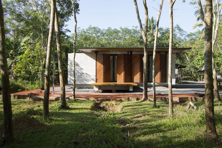 Gallery of Phatthalung House / Rakchai Norateedilok Architect - 1