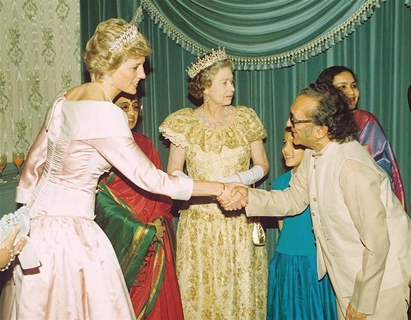 Ravi Shankar met The Queen and Princess Diana in 1990 in London