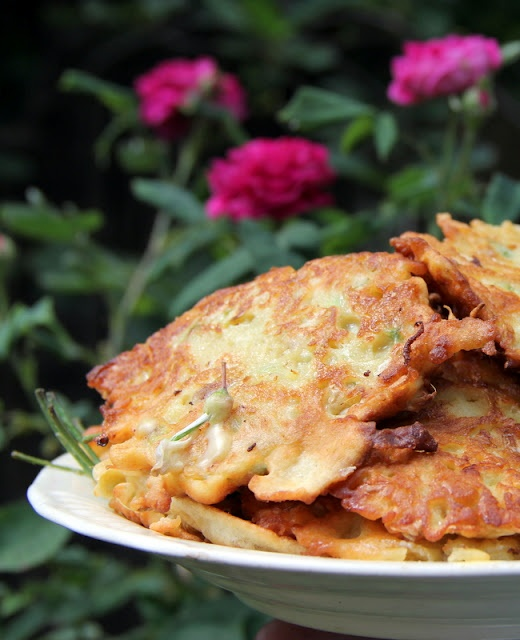 romanian traditional food, fried locust tree flower, delicious!