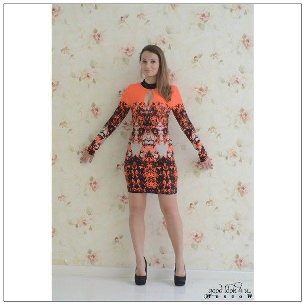 Бандажное платье с принтом Herve Leger. Платье с пестрым узором, высоким горлом, симетричными вырезами на груди на спине и длинным рукавом. Качественно выполнено из эластичной ткани. Ппрекрасно подчеркивает фигуру, моделирует, облигает, скрывает недостатки. #платья #платьямосква #dolcegabbana #москва #стильная #платьяназаказ #дольче #модель #платьявналичии #дольчегаббана #мода #магазин #моднаяодежда #одеждавналичии #одежда #интернетмагазин  #dolce  #вечерниеплатья #стильнаяодежда #шанель