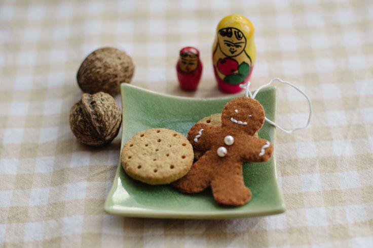 DIY Gingerbread Ornaments |