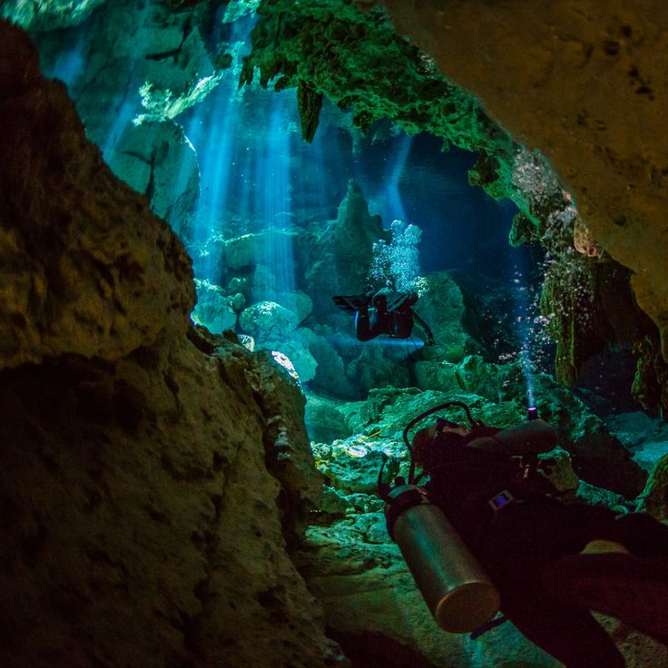 Photographer An here,  Cavediving