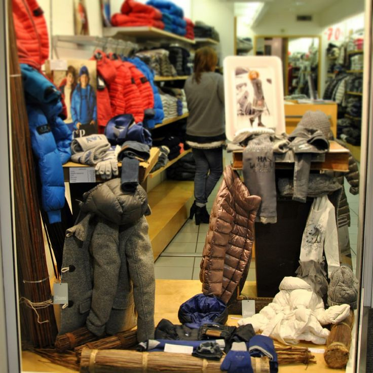 Vetrine Novembre 2013 - #Littleboy #kids #fashion #Moncler #Herno #ArmaniJunior #CPComapny#abbigliamento#bambni#moda