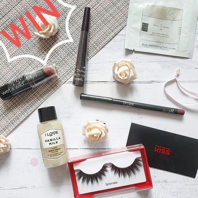 Can You Get Eyelash Extensions Wet In The Shower Time For A 4k Giveaway Thanks To All My Followers You Can Win Wetnwildbeauty Lipstick Barrymcosmetics Wet N Wild Cosmetics Lip Liner Competition Makeup