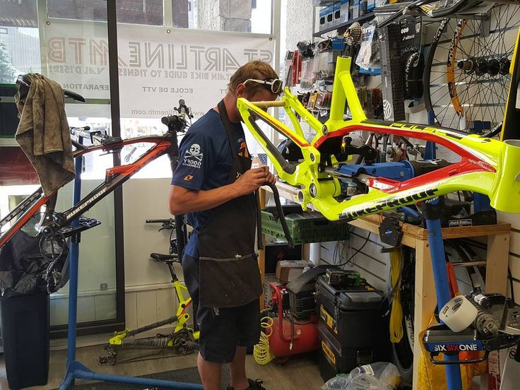 Our bikes getting the mid season overhaul! Dont forget they are for sale! #nukeproofmega #nukeproofpulse #nukeproof #tignes #mtb #parktool