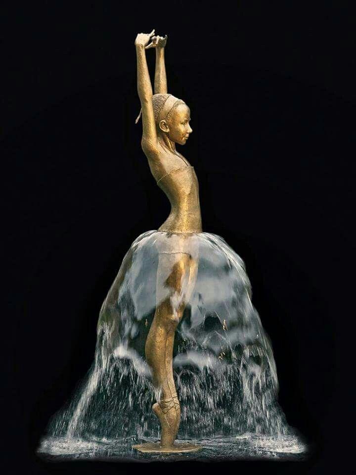 Water Sculptures by German artist Małgorzata Chodakowska <3