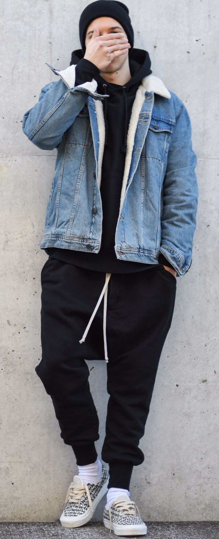 82cebd11be8 17+ best ideas about Denim Joggers Outfit on Pinterest