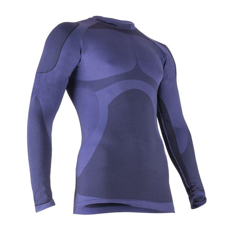 Kolekcja Comfort to unikalne połączenie właściwości termicznych z miękkością i delikatnością materiału. Tak powstała odzież termiczna, która odpowiednio zadba o termoregulację ciała, zabezpiecza przed wychłodzeniem i przegrzaniem podczas aktywności w chłodniejsze dni.
