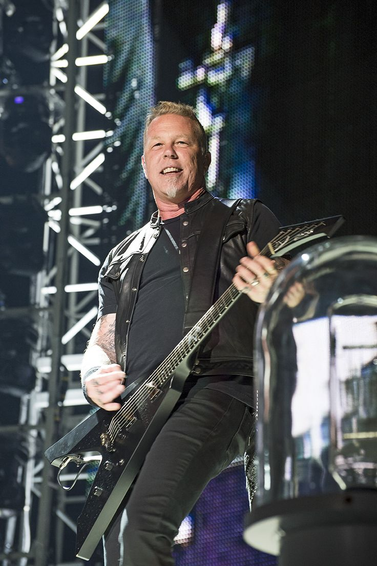Metallica's 'World-Wired' tour stopped in San Antonio, Texas on Wednesday night, June 14, at a capacity Alamodome marking the band's first performance in the River City since 2009. Touring behind their already platinum-selling album 'Hardwired…to Self-Destruct', Metallica delivered a career spanning set that spanned 18 tracks and over 2 hours, beginning with the title track and ...