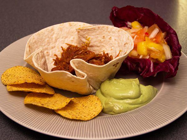 Fooled pork med mexikanska tillbehör | Recept.nu